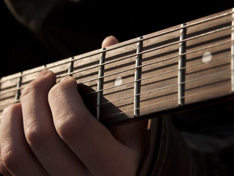 Arpèges 7 en 2 notes par corde